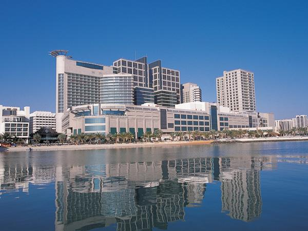 Отель Beach Rotana Hotel & Towers, фото